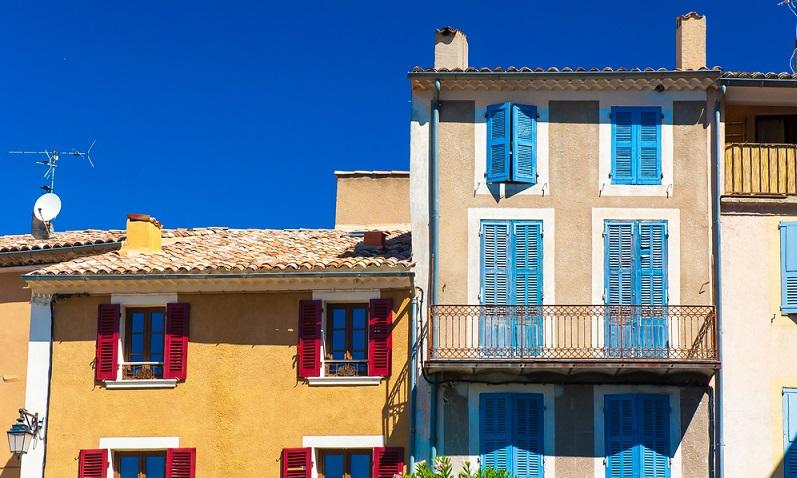 Sollte der Platz in einer Ferienwohnung in Biscarosse nicht ausreichen, gibt es verschiedene Angebote für ein Ferienhaus. In einem Ferienhaus ist üblicherweise mehr Platz und Sie können dort mit mehreren Personen Ihren Urlaub verbringen. (#01)