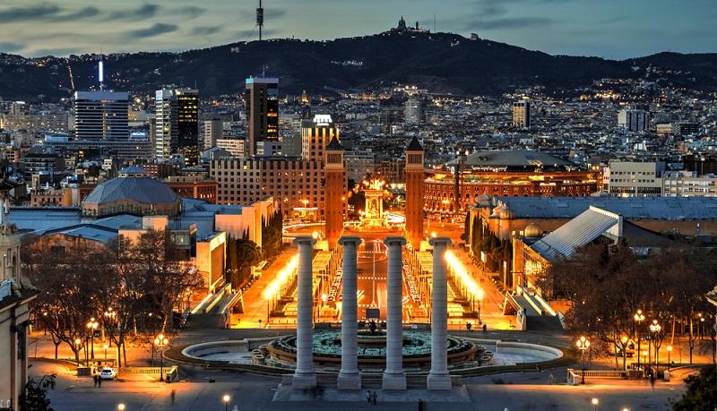 Frühbucher Angebote in Katalonien lohnen sich zweifach. Gäste sollten jedoch auf bestimmte Dinge achten, bevor sie zur Buchung schreiten.