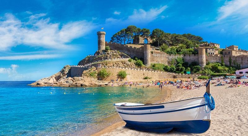 Katalonien hat zu allen Jahreszeiten Besonderes zu bieten. Egal, ob Sie im Frühjahr, Sommer, Herbst oder Winter reisen möchten, in Katalonien gibt es immer etwas zu entdecken und ganz viel zu genießen.