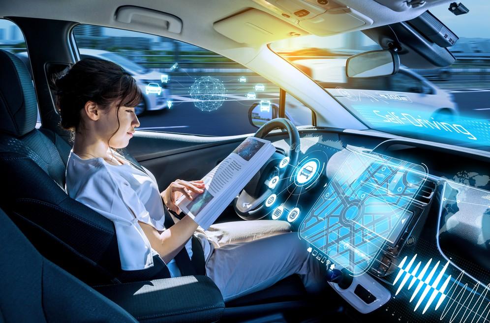 Dank Cellular V2X: Automatisiertes Fahren erhöht die Sicherheit und den Komfort. (Foto: shutterstock - metamorworks, #2)