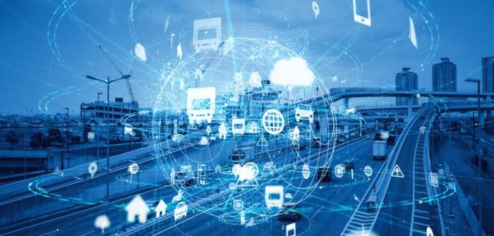 Cellular V2X vernetzt das Auto mit anderen Verkehrsteilnehmern. (Foto: shutterstock - metamorworks)