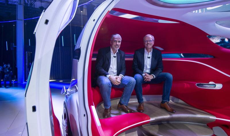 Der Daimler Vision Urbanetic: Ein Blick in den loungeartigen Innenraum.